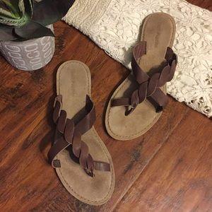 Brown Braided Leather Toe Strap Slip-On Sandal
